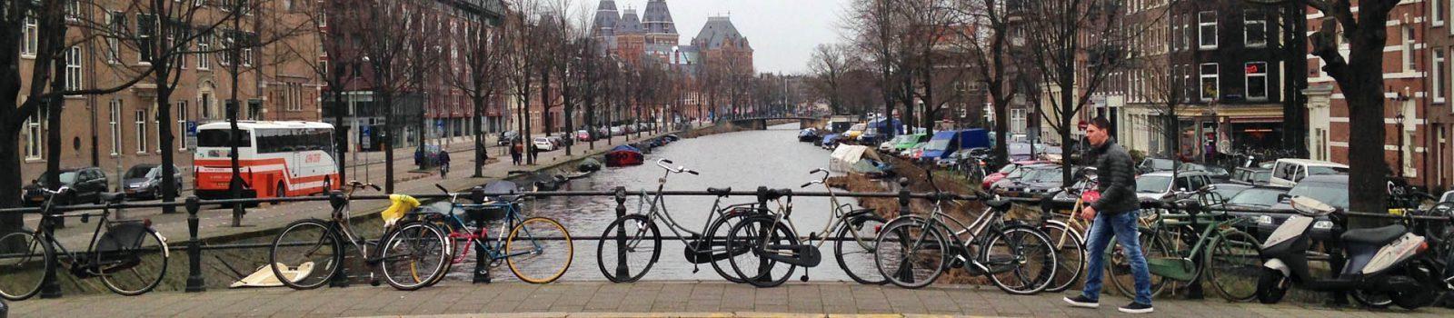 Brugleuning met fietsen 1920x420