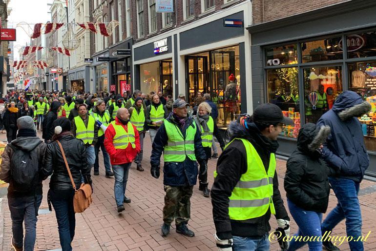 Ontevreden mensen in de Kalverstraat